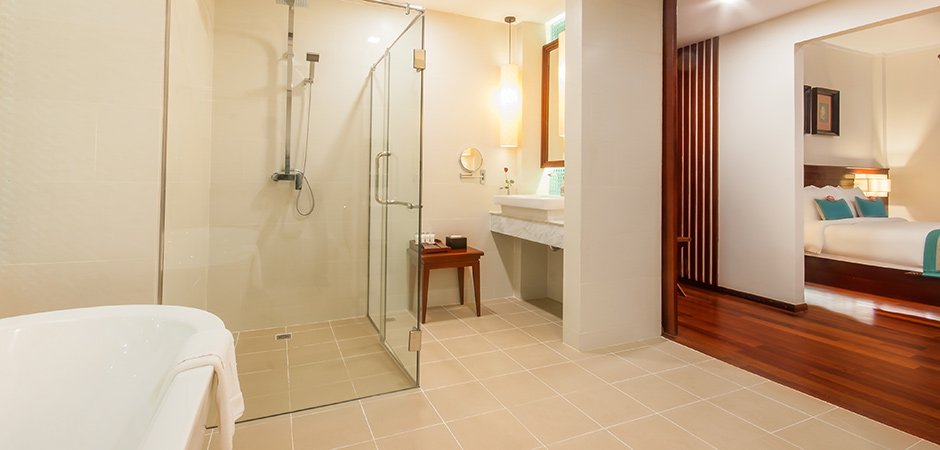 Privilege Suite Rain Shower