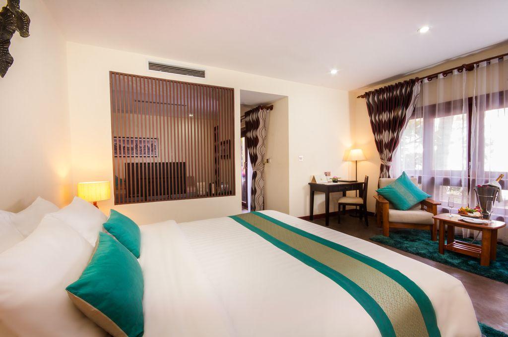 Cabana Spa Suite
